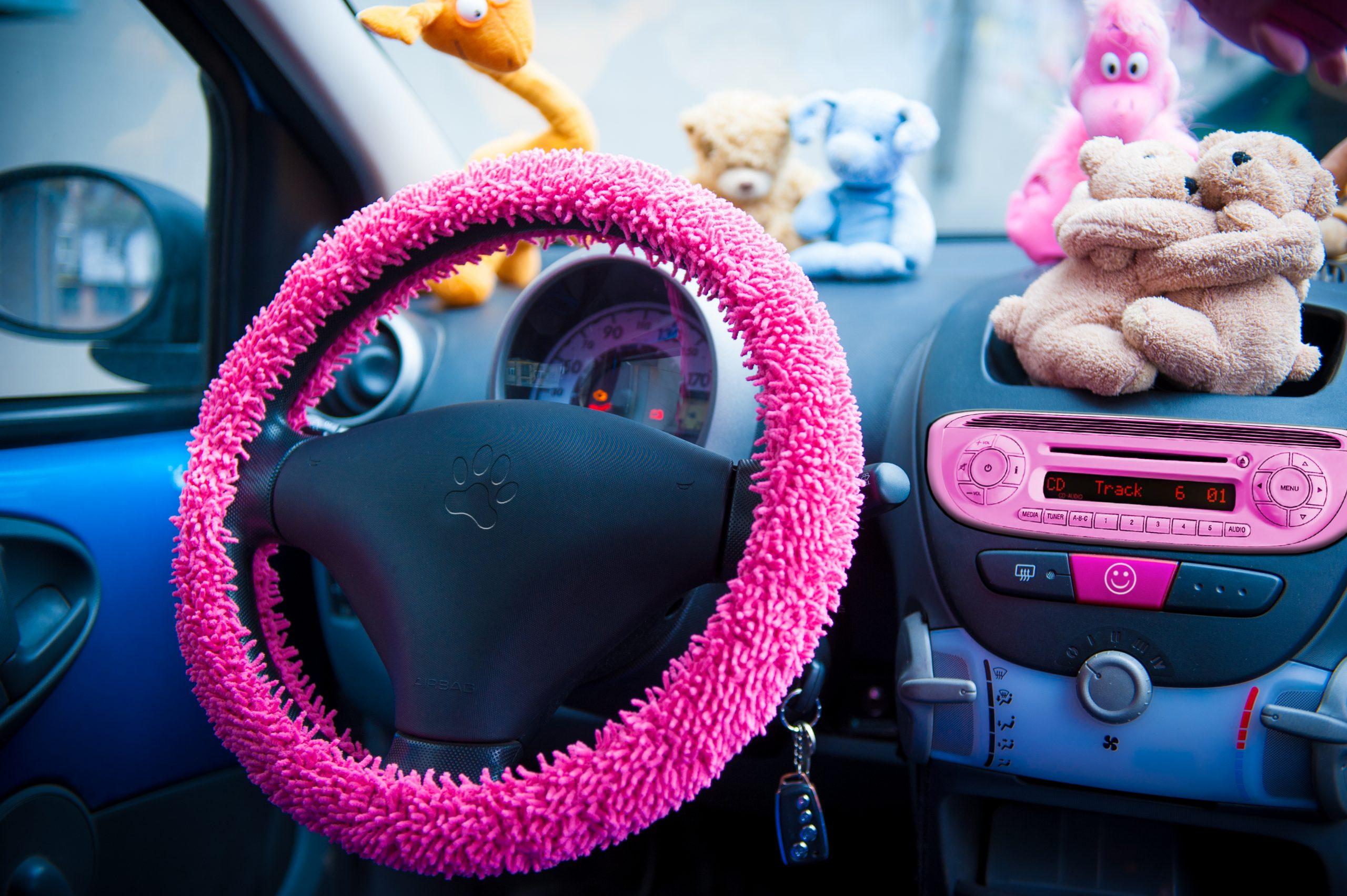 I'm giving away my car- pink steering wheel